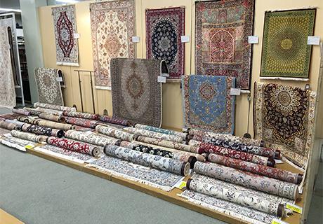 特撰手織絨毯展会場